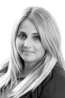 Headshot of Laura Lepore, Vice President, Investor Relations & Communications for Medipharm Labs