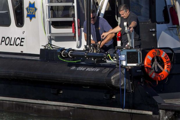 Real-Time 3D Underwater Inspection for Public Safety and Evidence Recovery