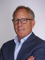 David E. Moller, Docteur en Médecine