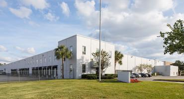 1090 Gills Dr Orlando, FL 32824