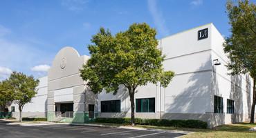 3401-3409 Cragmont Dr Tampa, FL 33619