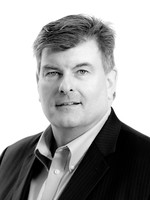 Headshot of David Mayers, Chief Operating Officer for Medipharm Labs