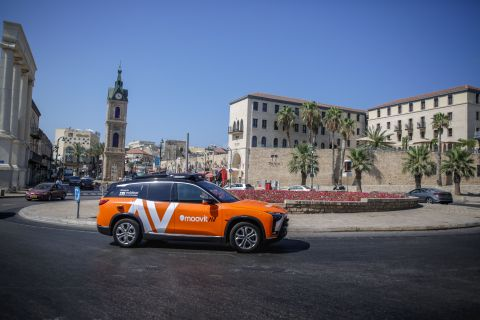 A photo shows the Mobileye autononomous vehicle(AV) operating under the MoovitAV mobility services brand. It was revealed at IAA Mobility 2021 as the production vehicle and robotaxi ride-hailing service Mobileye will bring to market beginning with Germany in 2022 through a collaboration with Munich, Germany-based SIXT Group. The service will be operated by SIXT and leverage the demand-generation of Intel subsidiary Moovit, carrying ride-hail passengers in Mobileye-owned AVs equipped with Mobileye Drive, Mobileye's full self-driving system. (Credit: Mobileye, an Intel Company)