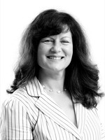 Headshot of Sybil Taylor, Chief Marketing Officer for Medipharm Labs