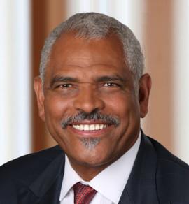 Headshot of Arnold W. Donald